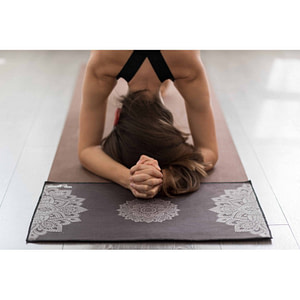 Serviette mains Mandala Black - Yoga Design Lab